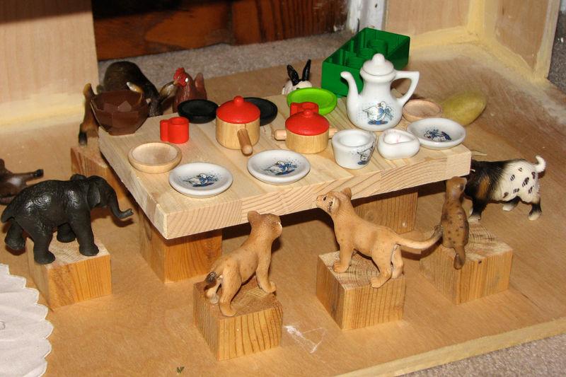 Animal-table
