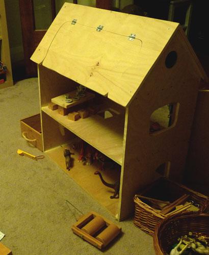 Animal-house-side