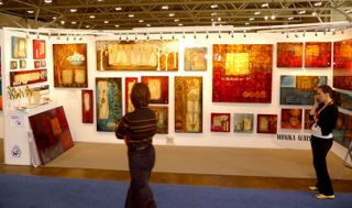 Expo-booth-people