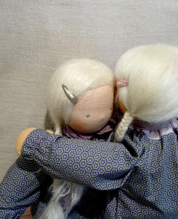 Pia-holly-hug