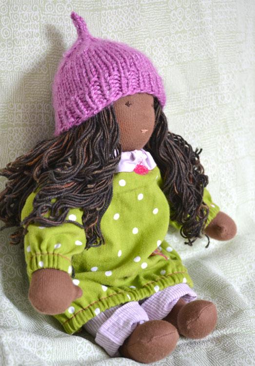 Charlene-30cm-sitting-hat