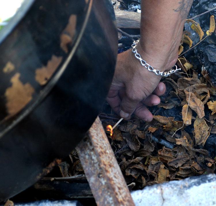 O-black-walnut-fire-cauldron