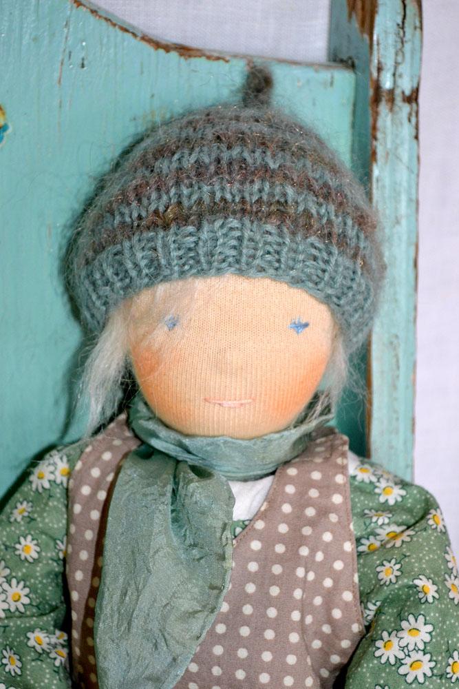 Claire-35cm-face-hat