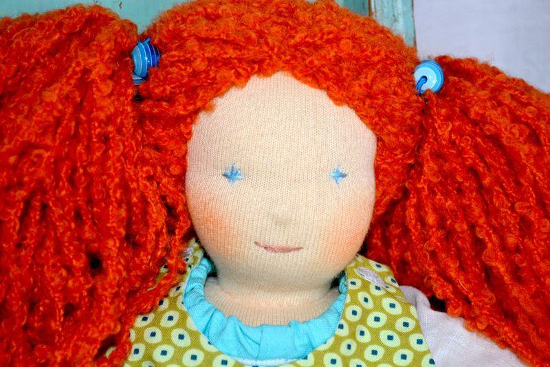 Astrid-35cm-portrait-close-blog