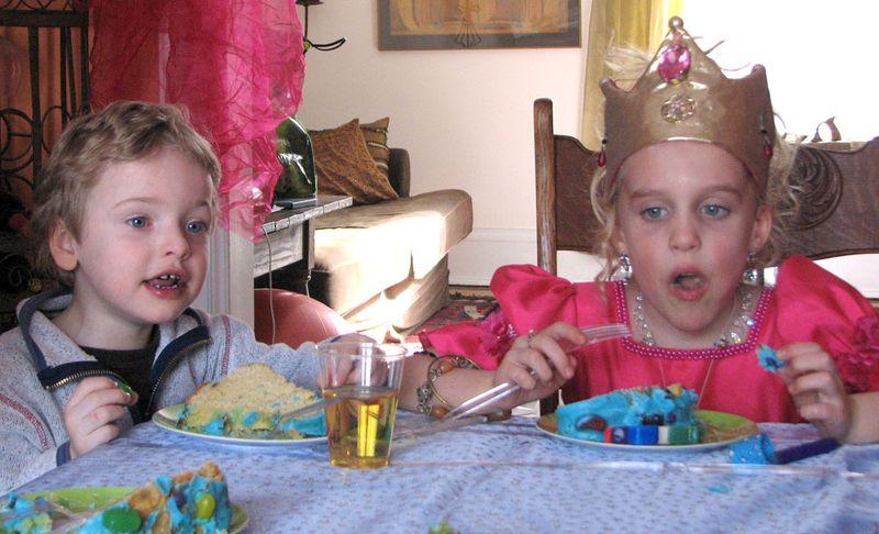 Cake-2008-eating
